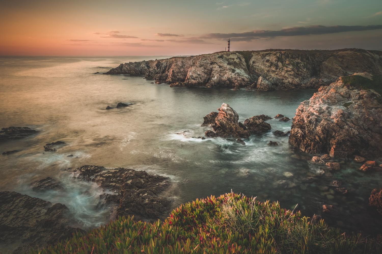Sonnenuntergang an der portugiesischen Atlantikküste bei Porto Covo